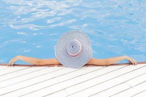 להפוך את החורף לקיץ – חימום בריכה ביתית באמצעות משאבת חימום